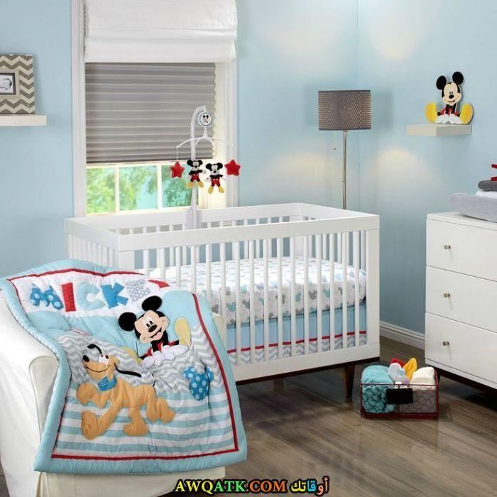 غرف نوم أطفال ميكي ماوس باللون الأحمر والأبيض