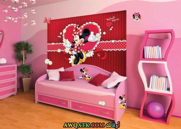 غرفة نوم رائعة وشيك باللون البينك