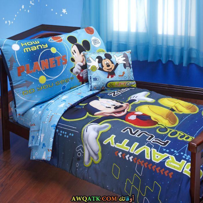 غرفة نوم باللون اللني جميلة جداً