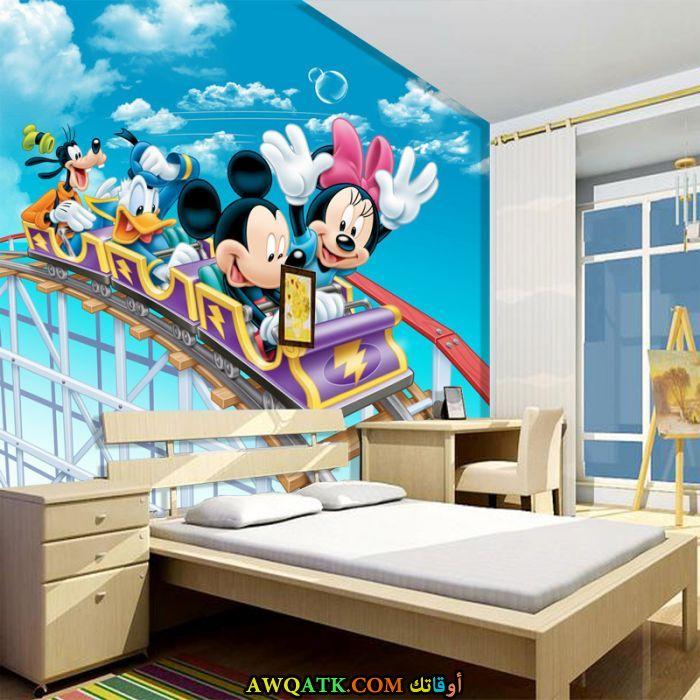 غرفة نوم ميكي باللون اللبني