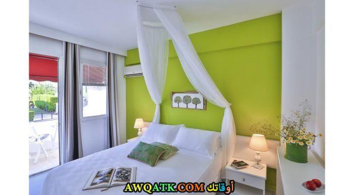 غرفة نوم جميلة جداً وشيك