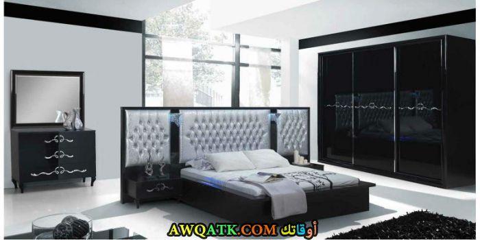 غرفة نوم باللون الأسود روعة وشيك