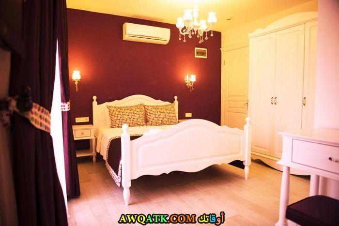غرفة نوم تركية حمراء
