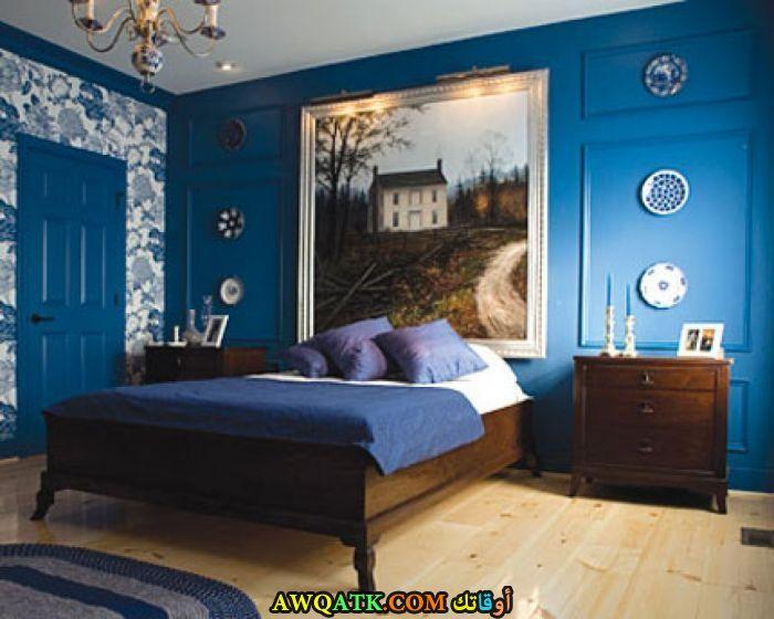 غرفة نوم زرقاء رائعة