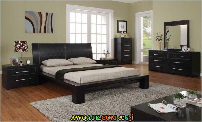 غرفة نوم خشب باللون الأسود روعة