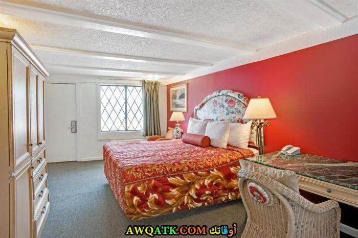 غرفة نوم حمراء روعة