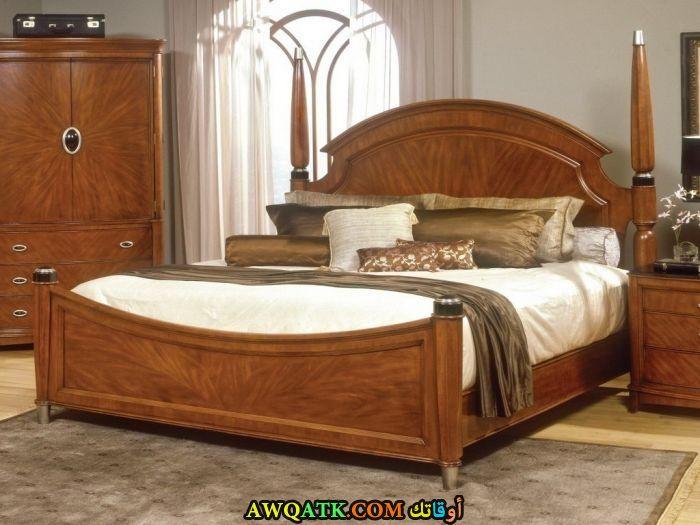 غرفة نوم خشب زان بنية