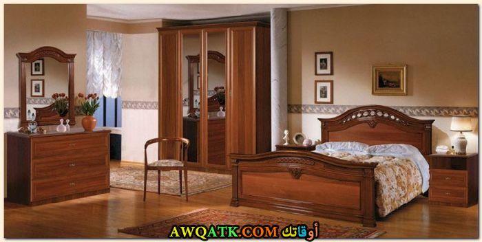 غرفة نوم خشب بنية