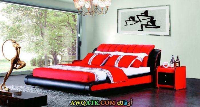 غرفة نوم مودرن حمراء