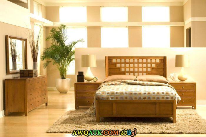 غرفة نوم خشب مودرن صفراء