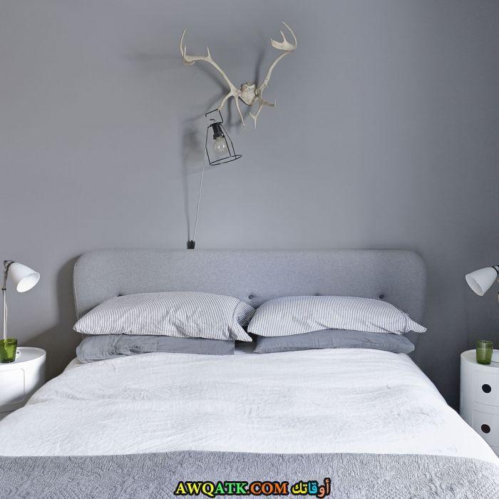 غرفة نوم رمادية رائعة