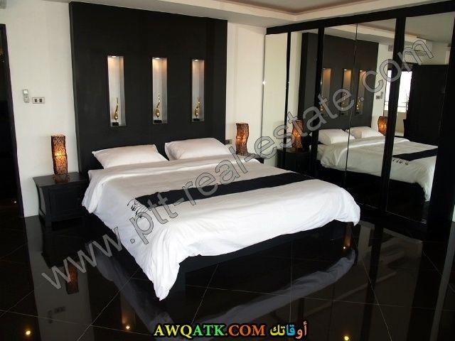 غرفة نوم سوداء جميلة