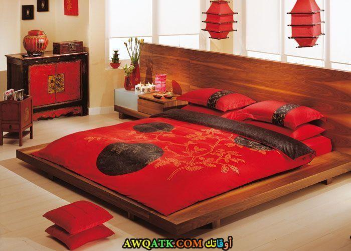غرفةة نوم باللون الأحمر رائعة