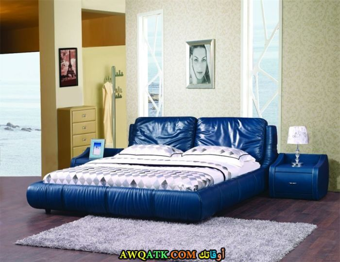 غرفة نوم باللون الأزرق روعة