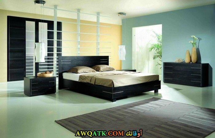 غرفة نوم سوداء شيك جداً