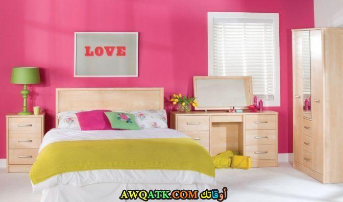 غرفة نوم عصرية جميلة جداً