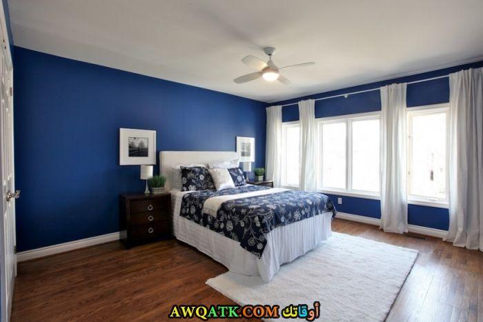 غرفة نوم زرقاء جميلة