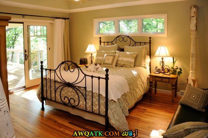 غرفة نوم باللون البيج روعة وجميلة