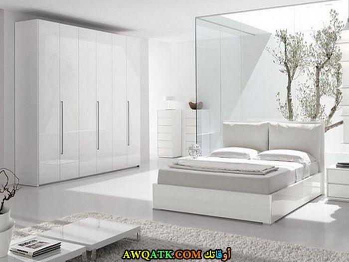 غرفة نوم بيضاء شيك جداً