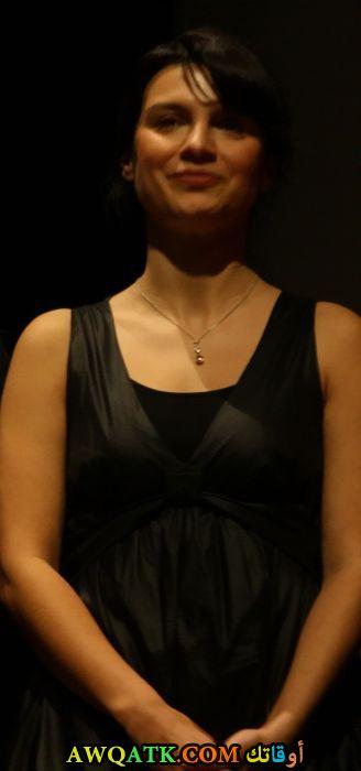 بوستر الفنانة التركية فريدة شتين