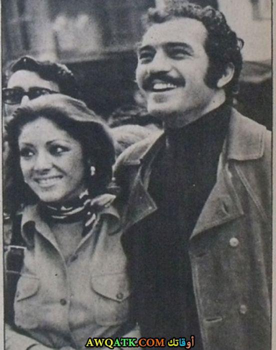 صورة الفنان التركي فكرت هاكان وزوجته