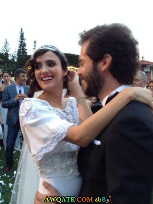 صورة عائلية للفنانة نهير أردوغان مع زوجها