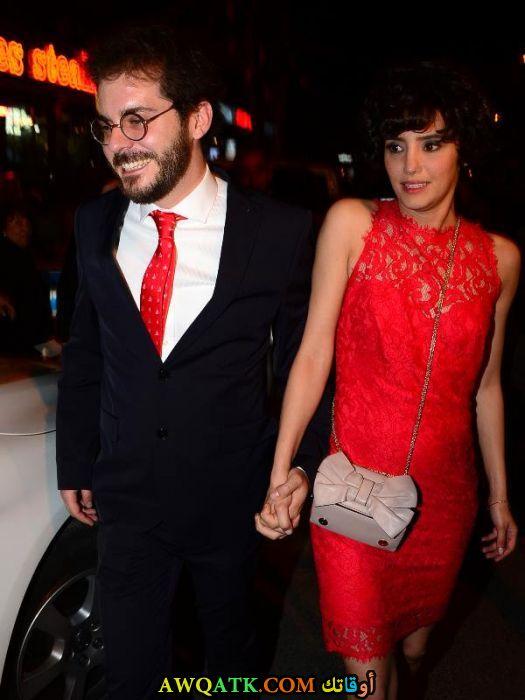 صورة الفنانة التركية نهير أردوغان وزوجها