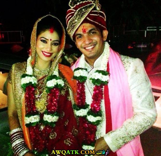 صورة الفنان الهندي ارجون بيجلاني وزوجته