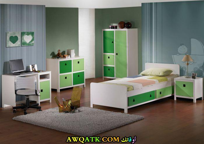 غرفة نوم باللون الأخضر روعة وشيك جداً