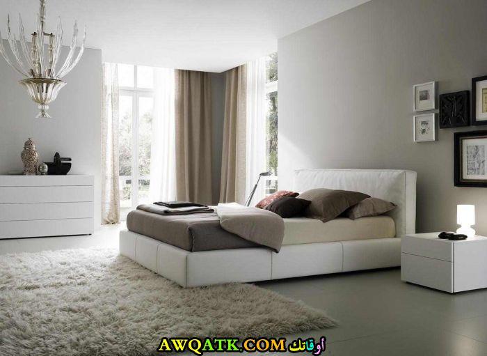 غرفة نوم شيك بيضاء