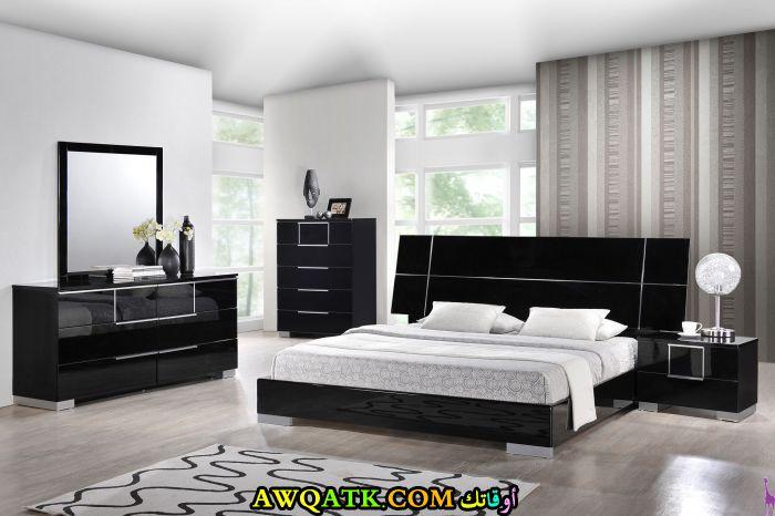غرفة نوم باللون الأسود رائعة