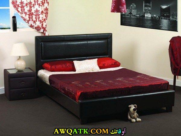 غرفة نوم حمراء شيك 2017