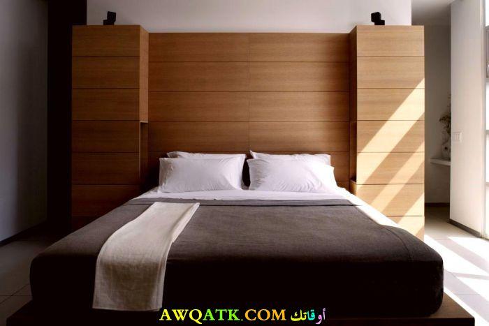 غرفة نوم روعة باللون البني