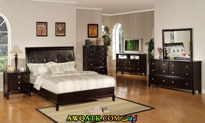 غرفة نو سادة بنية اللون جميلة جداً