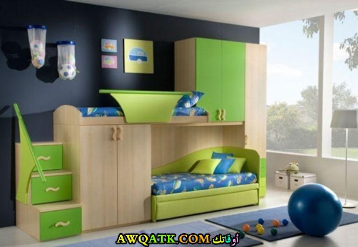 غرفة نوم خضراء شيك وجميلة