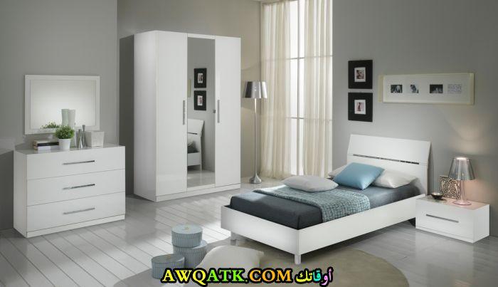 غرف نوم شبابية مودرن باللون الأبيض والأسود