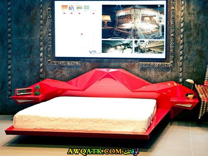 غرفة نوم حمراء شيك ورائعة