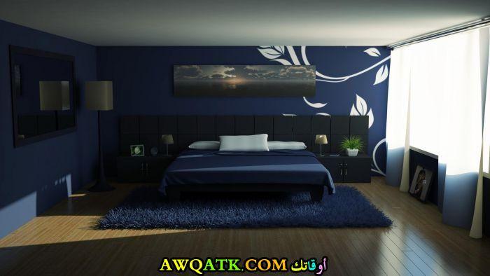 غرفة نوم زرقاء تناسب المساحات الواسعة