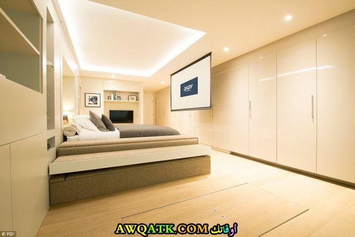 غرفة نوم جميلة تناسب المساحات الكبيرة