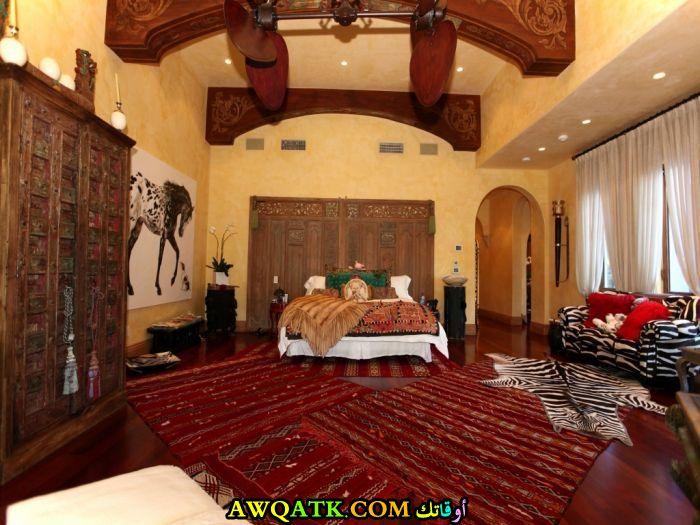 غرفة نوم باللون البني جميلة جداً