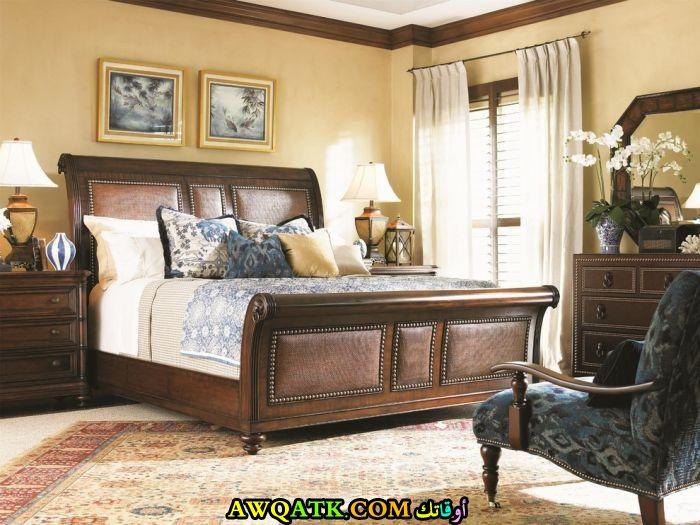 غرفة نوم بنية جديدة وجميلة