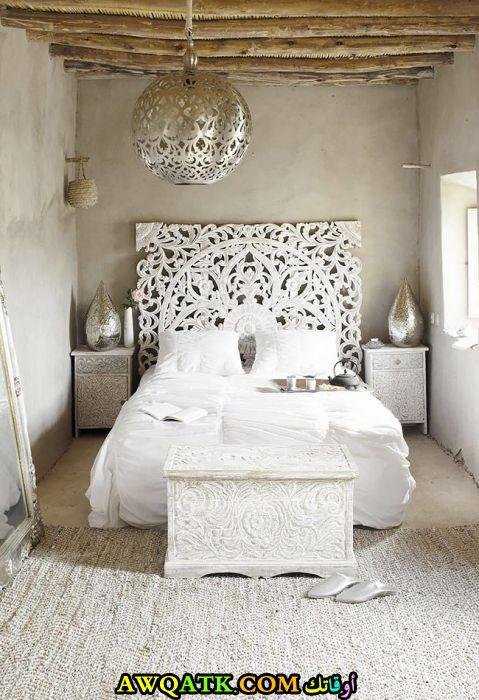 غرفة نوم بيضاء شيك