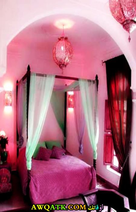 غرفة نوم روعة باللون البينك