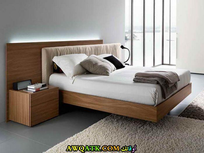 غرفة نوم جميلة جداً باللون البيج