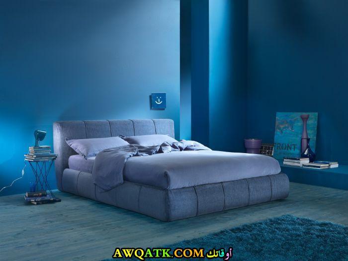 غرفة نوم باللون اللبني شيك