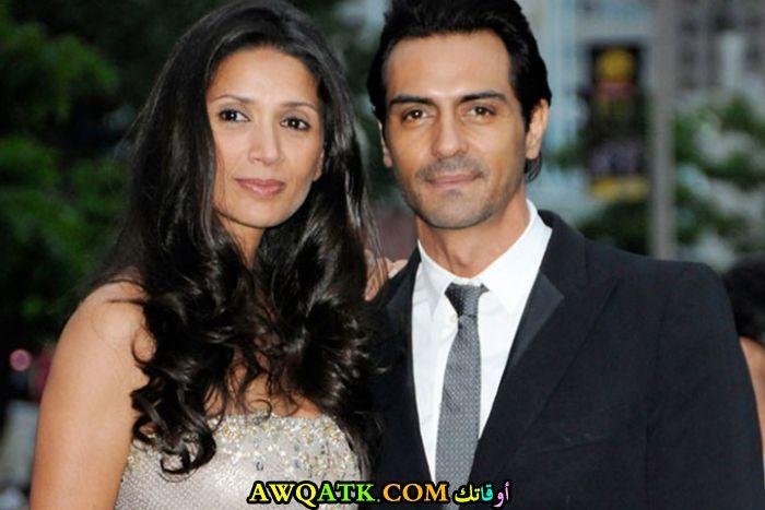 صورة الفنان الهندي أرجون رامبال وزوجته
