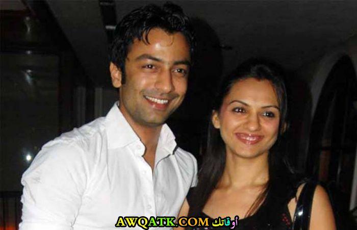 صورة الفنان الهندي جاتين شاه وزوجته