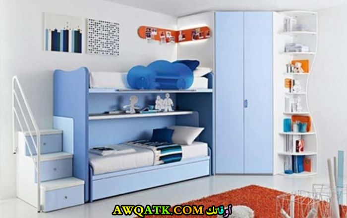 غرفة نوم أولاد ثنائية باللون اللبني