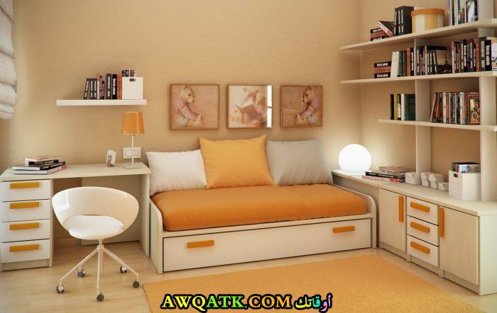 غرفة نوم برتقالية جميلة جداً