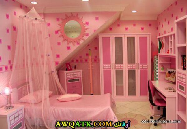 غرفة نوم بناتي صغيرة